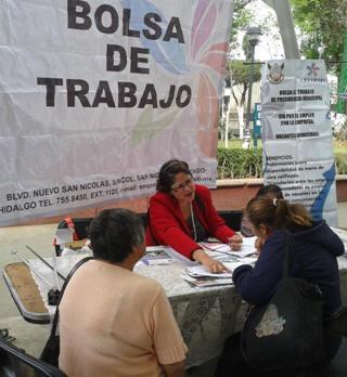 Gobierno de tulancingo apoy en 2014 a m s de mil 600 for Bolsa de trabajo oficinas de gobierno